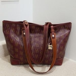 Dooney & Bourke authentic Susanna handbag